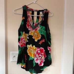 Black floral sleeveless top